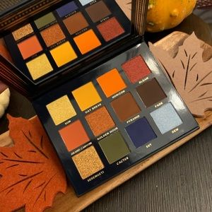 Ace Beaute Vintage Dawn Eyeshadow Palette
